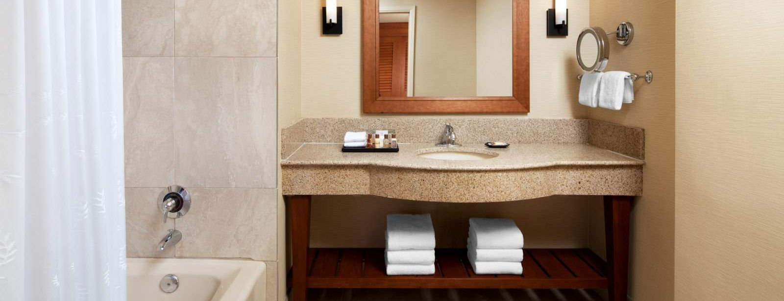 Traditional Room Bathroom - Sheraton La Jolla